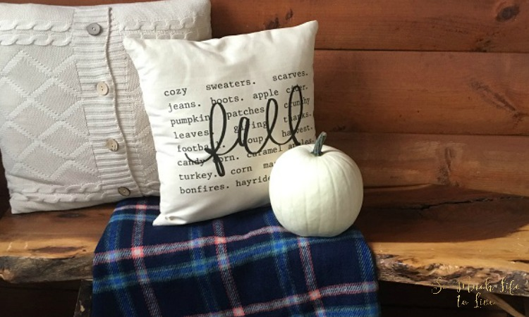 Decorate life with home decor decorate with fall pillows for Best home decor blogs 2016